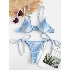 🌻 Zaful Bikini Baby Blue Velvet Underwire Top
